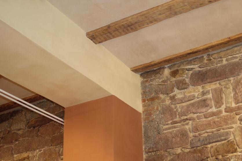 Pfeiler-Unterzug-Decke-Sandsteinwand